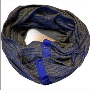 Lululemon vinyasa infinity scarf